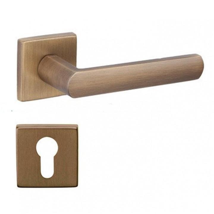 Дверная ручка на розетке DND by Martinelli LUCE 02 матовая бронза (с накладкой под цилиндр) LC14Y-ZGH